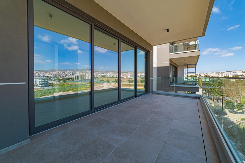 ** CONTEMPORARY 2 & 3 BEDROOM APARTMENTS IN MESA GEITONI.....