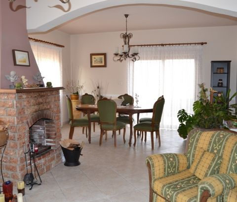 Three bed detached house for rent in Kiti Larnaca  AVAILABLE.....