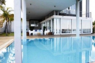 Luxury Modern 5 Bedroom Villa with swimming pool built in al.....