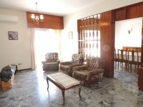 To Rent 3 Bedroom Upper floor (2-floor building) House in Da.....