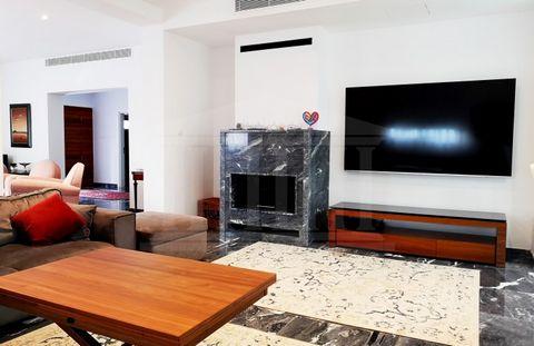 City Center House, Agioi Omologites, Nicosia  Located in Nic.....