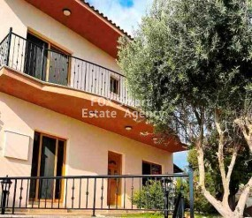 To Rent 3 Bedroom Semi-detached House in Pissouri, Limassol