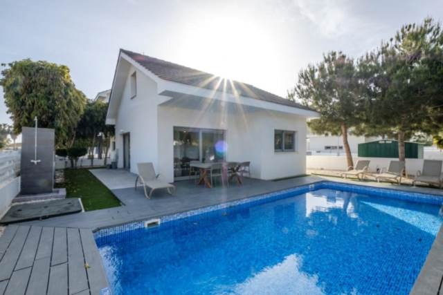 (for rent) residential detached house larnaka pervolia larna.....