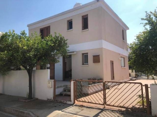 (for rent) residential detached house larnaka dekeleia 3 Bed.....