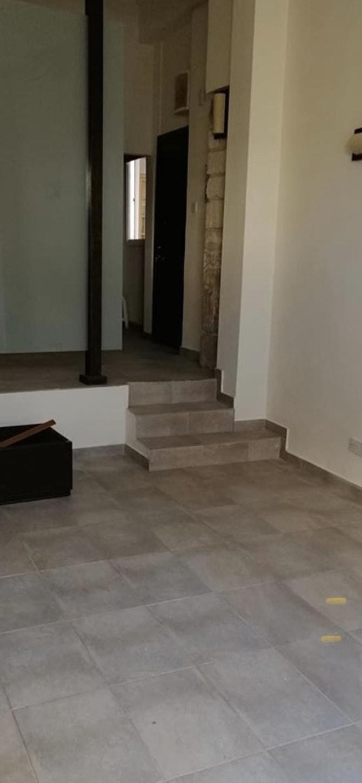 Shop or Office in Faneromeni rent Larnaca, CYPRUS