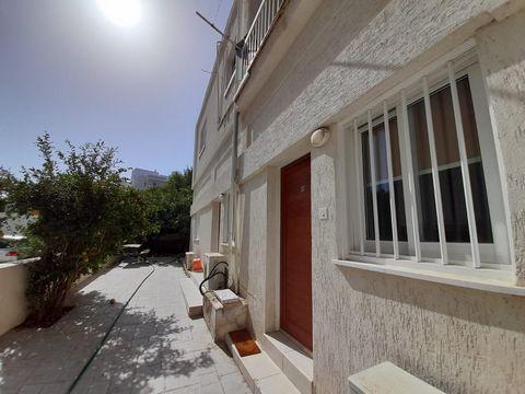 Apartment (Studio) in Pallouriotissa, Nicosia for Rent  Perf.....