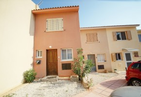 town house for rent in kato paphos tombs of the kings paphos.....