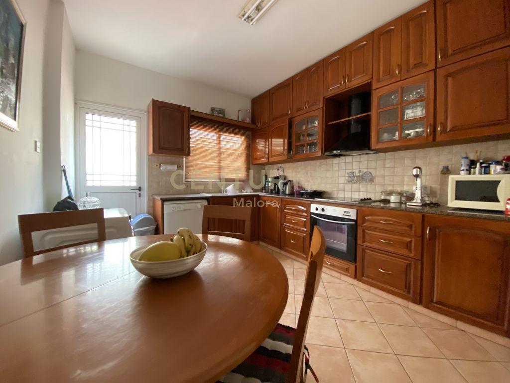3 bedroom upper level house for rent in limassol ag nikolaos