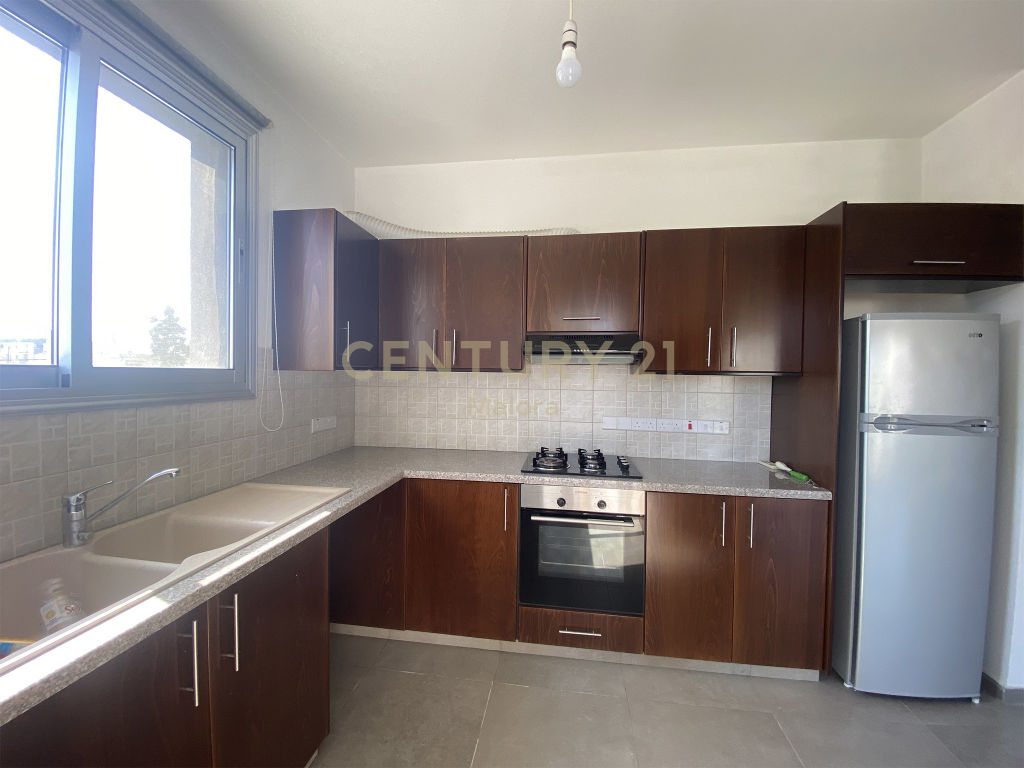 2 bedroom apartment for rent in limassol zakaki