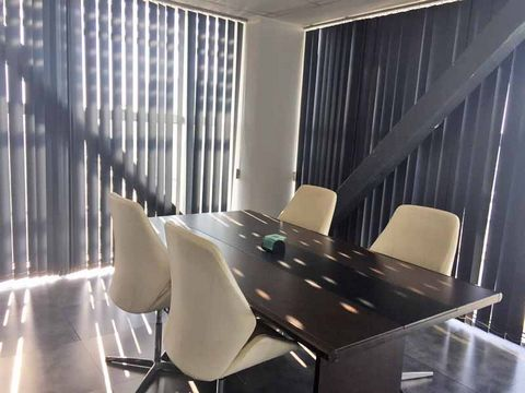 Offices in Larnaca (LAC7308) Lárnax  Four office spaces are.....